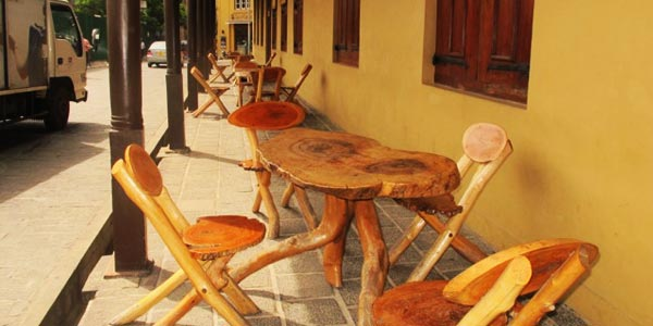 Sidewalk café furniture