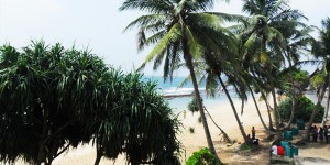 Beach popular with Sri Lankans near Hikkaduwa