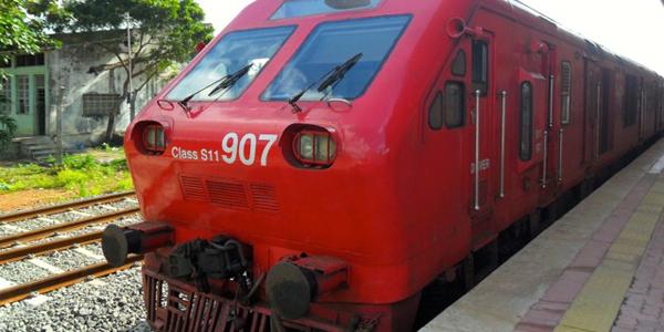 Class S11 train to KKS